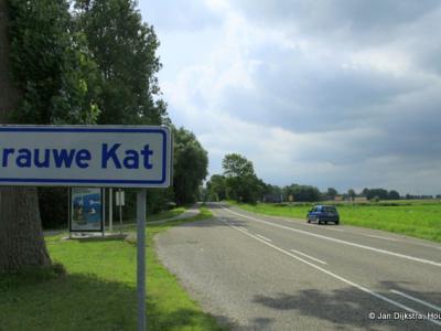 Bij buurtschap Grauwe Kat