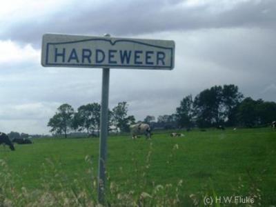 Hardeweer is een buurtschap van het dorp Ezinge