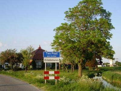 Kröddeburen is een buurtschap in de provincie Groningen, gemeente Groningen. T/m 2018 gemeente Ten Boer. De buurtschap valt, ook voor de postadressen, onder het dorp Ten Post.