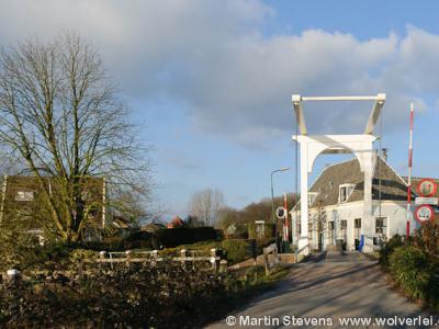 Mijnden, brug over de gelijknamige sluis