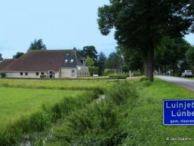 Luinjeberd is een dorp in de provincie Fryslân, gemeente Heerenveen. T/m 30-6-1934 gemeente Aengwirden.