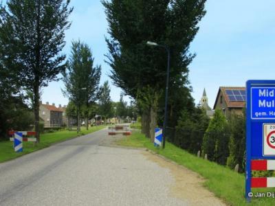 Midlum is een dorp in de provincie Fryslân, gemeente Harlingen. Vóór een grenscorrectie per 1-7-1971 viel het dorp onder de gemeente Franekeradeel.