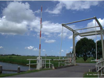 Ophaalbrug over de Oude Waver nabij Nessersluis