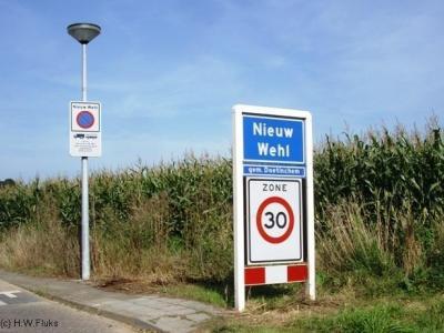 Nieuw-Wehl is een dorp in de provincie Gelderland, in de streek Liemers, gemeente Doetinchem. T/m 2004 gemeente Wehl.