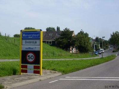 Onderdijk, de plaatsnaamborden suggereerden tot voor kort dat dit een wijk van Wervershoof zou zijn. Terwijl Onderdijk toch echt een apart van Wervershoof gelegen dorp is. In februari 2014 heeft Onderdijk eigen komborden gekregen. Zie hieronder.