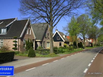 Oosterblokker is een dorp in de provincie Noord-Holland, in de streek West-Friesland, gemeente Drechterland. T/m 1978 gemeente Blokker.