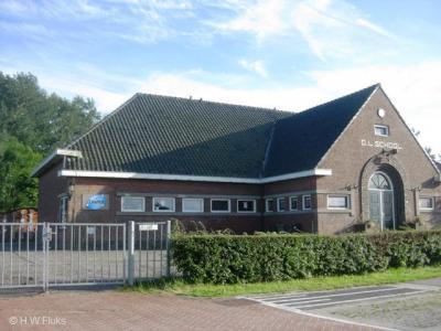 Oosterwijtwerd, basisschool Dieftil heeft helaas na schooljaar 2012-2013 de deuren moeten sluiten omdat zij onder de opheffingsnorm was gezakt.