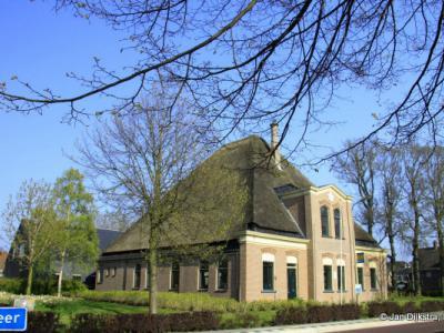 In Opmeer, bij een mooie stolphoeve