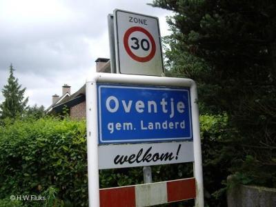 Oventje is een buurtschap in de provincie Noord-Brabant, in de regio Noordoost-Brabant, gemeente Landerd. T/m 1993 gemeente Zeeland.