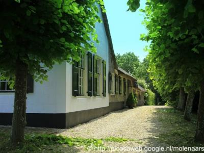 Schoonouwen, een van de vele mooie monumentale boerderijen in deze buurtschap. (© Jan Dijkstra, Houten)