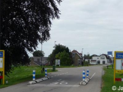 Streefkerk is een dorp in de provincie Zuid-Holland, in de streek Alblasserwaard, gemeente Molenlanden. Het was een zelfstandige gemeente t/m 1985. In 1986 over naar gemeente Liesveld, in 2013 over naar gem. Molenwaard, in 2019 over naar gem. Molenlanden.