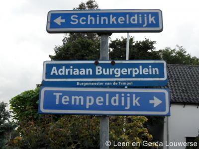 Tempel heeft een eigen 'dorpsburgemeester', met een eigen straatnaambordje.