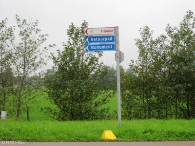 Er staan wel richtingbordjes naar Trimunt maar ter plekke staan geen plaatsnaambordjes, zodat je maar moet gokken wanneer je er bent aangekomen...