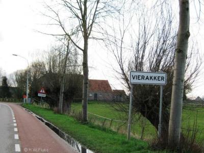 Vierakker is een dorp in de provincie Gelderland, in de streek Achterhoek, gemeente Bronckhorst.