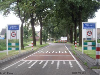 Het dorp Vinkel valt nu grotendeels onder de gemeente 's-Hertogenbosch (t/m 2014 gemeente Maasdonk), maar viel voor de herindeling van 1993 onder maar liefst vijf verschillende gemeenten!