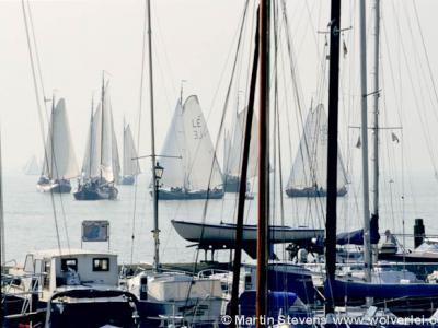 Volendam, oude zeilschepen tijdens de Pieperrace