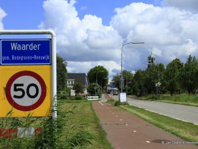 Waarder is een dorp in de provincie Zuid-Holland, gemeente Bodegraven-Reeuwijk. Het was een zelfstandige gemeente t/m 31-1-1964. Per 1-2-1964 over naar gemeente Driebruggen, in 1989 over naar gemeente Reeuwijk, in 2011 over naar gem. Bodegraven-Reeuwijk.