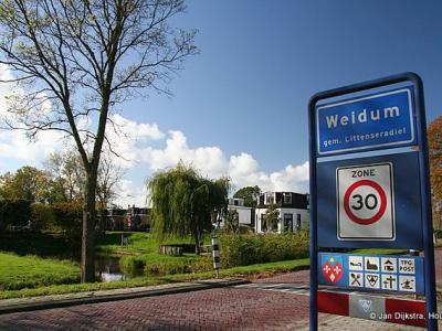 Weidum is een dorp in de provincie Fryslân, gemeente Leeuwarden. T/m 1983 gemeente Baarderadeel. In 1984 over naar gemeente Littenseradiel, in 2018 over naar gemeente Leeuwarden.