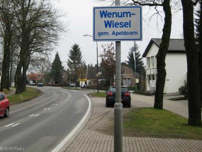 Wenum-Wiesel is een dorp in de provincie Gelderland, in de streek Veluwe, gemeente Apeldoorn.