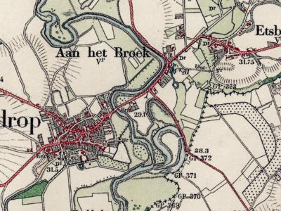 Aan het Broek is een buurtschap in de provincie Limburg, in de regio Midden-Limburg, en daarbinnen in de streek Roerstreek, gemeente Roerdalen. T/m 1990 gemeente Vlodrop. (© www.kadaster.nl)