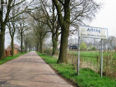 Alting is een buurtschap van het dorp Beilen en valt sinds 1998 onder de gemeente Midden-Drenthe