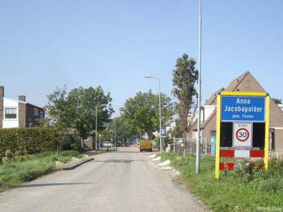 Anna Jacobapolder is een dorp en polder in de provincie Zeeland, gemeente Tholen, in de bestuurlijke Regio West-Brabant. T/m 1994 gemeente Sint Philipsland.