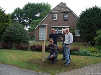 In 2015 heeft het 'tolteam' van Arriën de vroegere tol bij de buurtschap Hoogengraven symbolisch in ere hersteld door er weer een houten tolboom te plaatsen, met daarbij een kastje met de tarieven zoals die destijds golden.