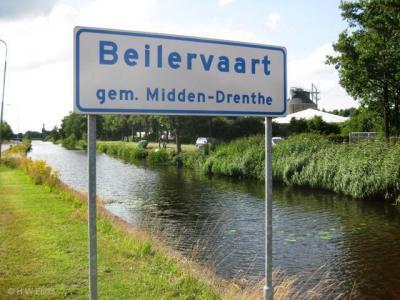 Beilervaart is een buurtschap langs de gelijknamige vaart, heeft witte plaatsnaamborden en ligt dus buiten de bebouwde kom