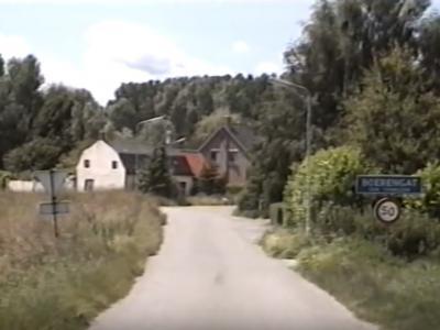 De buurtschap Boerengat is - evenals de W ervan gelegen hebbende buurtschap Hoogedijk - in de jaren negentig afgebroken omdat het volgens de veiligheidsnormen te dicht bij de chemische industrie van DOW lag.