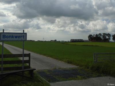 Bonkwert is een buurtschap in de provincie Fryslân, gemeente Waadhoeke. T/m 1983 gemeente Hennaarderadeel. In 1984 over naar gemeente Littenseradiel, in 2018 over naar gemeente Waadhoeke.