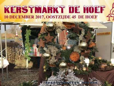 De Kerstmarkt in De Hoef (op een zondag in december) is naar eigen zeggen de gezelligste en meest authentieke kerstmarkt in de wijde omgeving, met alleen kerstgerelateerde artikelen. De markt is de laatste jaren uitgegroeid tot een drukbezocht evenement.