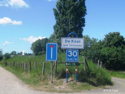 Door het waterschap zijn de afgelopen jaren veel plaatsnaamborden bij buurtschappen in Zeeuws-Vlaanderen geplaatst, zodat je als voorbijganger eindelijk kunt zien door welke buurtschappen je heen komt. Mooi!