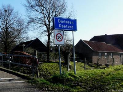 Dieteren is een dorp in de provincie Limburg, in de regio Midden-Limburg, gemeente Echt-Susteren. T/m 2002 gemeente Susteren.