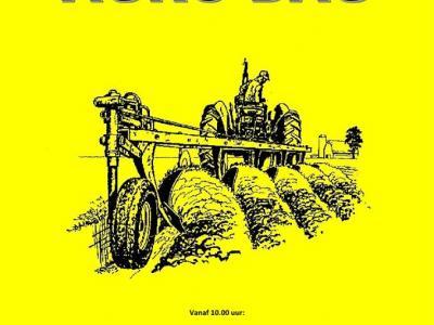 De AGRO-dag in Drie Hoefijzers is een dag vol evenementen en activiteiten voor liefhebbers van tractoren en andere landbouwmachines, o.a. ploegen voor de provinciale wedstrijden, paardenploeg, oude tractoren en een tentoonstelling van machinerieën.