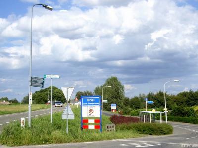 Driel is een dorp in de provincie Gelderland, in de streek Betuwe, gemeente Overbetuwe. T/m 2000 gemeente Heteren.