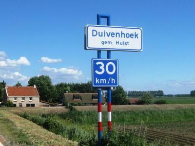 Duivenhoek is een van de vele landelijke buurtschapjes in de gemeente Hulst. (© H.W. Fluks)