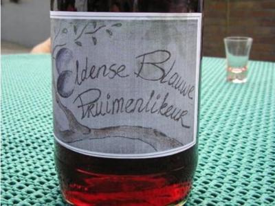 Elden was in de regio sinds ca. 1900 bekend om de kwaliteiten van zijn Eldense Blauwe pruim. De afgelopen decennia was de pruim in de vergetelheid geraakt. Henk en Kittie van Rheede zetten hem terug 'op de kaart' en maken er nu ook pruimenlikeur van.
