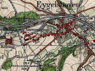 Op deze kaart, uit ca. 1930, zijn de 20e-eeuwse veranderingen rond Eygelshoven goed te zien. Van W naar O: buurtschap Hopel, mijnwerkerskolonie Hopel (hier nog 'Kolonie' geheten) en de mijn 'Laura en Vereeniging', nog volop in bedrijf.