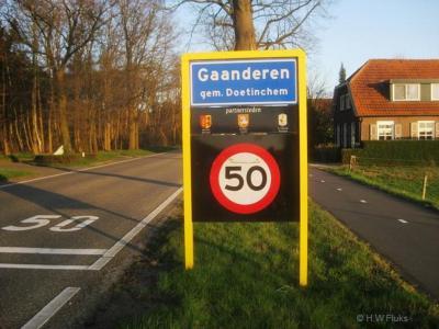 Gaanderen is een dorp in de provincie Gelderland, in de streek Achterhoek, gemeente Doetinchem. T/m 1919 gemeente Ambt Doetinchem.
