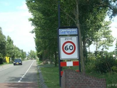Gaarkeuken is een buurtschap van het Groningse dorp Grijpskerk, in de gemeente Zuidhorn, in de streek Westerkwartier. Naamsverklaringen van plaatsen liggen vaak niet voor de hand op grond van de huidige naam, maar in dit geval wél. Zie kopje Naam.