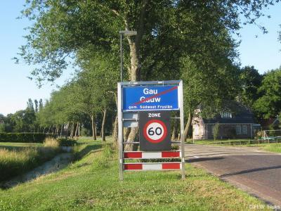 Gauw is een dorp in de provincie Fryslân, gemeente Súdwest-Fryslân. T/m 2010 gemeente Wymbritseradiel.