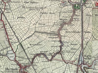 Op deze kaart, uit ca. 1925, is goed te zien dat de bebouwing langs de weg en waterloop Gein voor het N deel, onder de gemeente Weesperkarspel, bekend stond als buurtschap Het Gein, en het Z deel, onder de gemeente Abcoude, als buurtschap Vinkenbuurt.