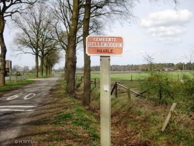 Haarle is een dorp in de provincie Overijssel, in de streek Salland, gemeente Hellendoorn.