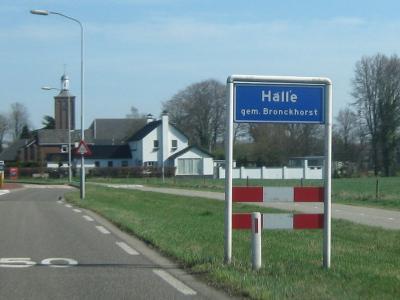 Halle is een dorp in de gemeente Bronckhorst. T/m 2004 gemeente Zelhem. (© H.W. Fluks)