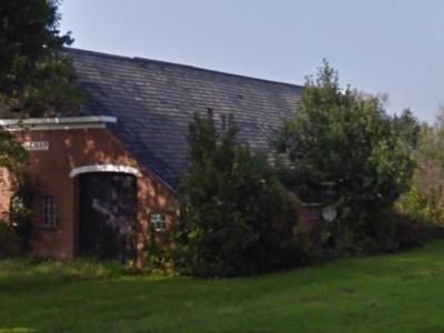 De buurtschap Heidenschap is om voor ons duistere redenen uitgegumd uit de atlassen, en heeft ook geen plaatsnaamborden. Als je héél goed tussen de bomen door kijkt, kun je de naam nog wel zien staan op boerderij Heidenschap op Slochterdiep 21.