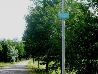 Heikant is een buurtschap in de provincie Noord-Brabant, in de regio West-Brabant, en daarbinnen in de streek Amerstreek, gemeente Oosterhout. De heemkundekring van Oosteind heeft rond 2000 plaatsnaambordjes bij haar buurtschappen geplaatst. Mooi!