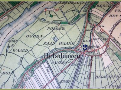 Van 1814 tot 1900 was er een tol te Helsdingen aan de Rijksweg van Amsterdam naar Parijs v.v. Op deze kaart, van rond 1900, staat hij nog vermeld (zie de pijl). Ook is goed te zien dat vele wegen hier bij elkaar komen. (© Jan Dijkstra, Houten)