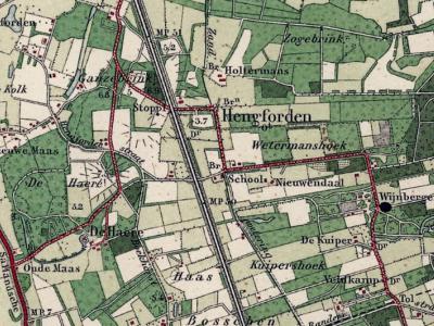 De buurtschap Hengforden omvat een omvangrijk, zeer landelijk gelegen buitengebied, van het Hengforderveld in het O (W van buurtschap Eikelhof) tot de Hengforderwaarden aan de IJssel in het W. Door het gebied loopt de spoorlijn Zwolle-Deventer. © Kadaster