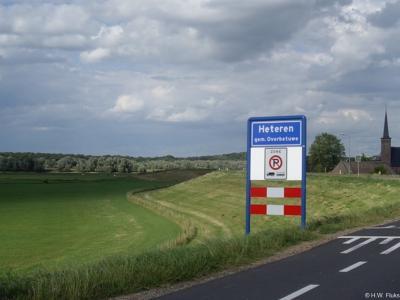 Heteren is een dorp in de provincie Gelderland, in de streek Betuwe, gemeente Overbetuwe. Het was een zelfstandige gemeente t/m 2000.