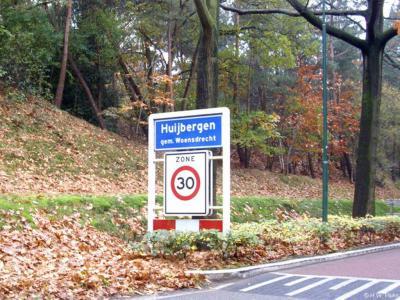 Huijbergen is een dorp in de provincie Noord-Brabant, in de regio West-Brabant, en daarbinnen in de streek Baronie en Markiezaat, gemeente Woensdrecht. Het was een zelfstandige gemeente t/m 1996.